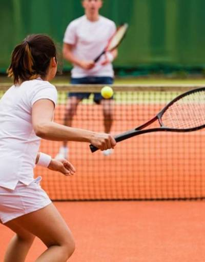 images_w684h684_Couple-playing-tennis_crop3.jpg